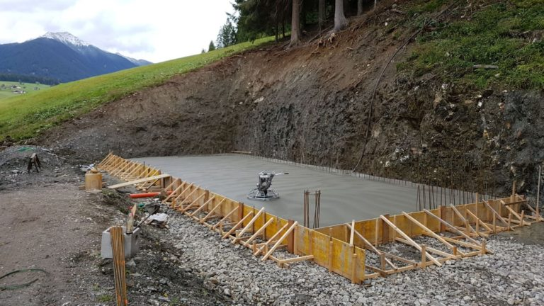 Realizzazione pavimentazione esterna in cemento anti-olio, anti-macchia ed idrorepellente - Bortolotto Roberto