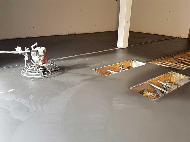 Realizzazione pavimento Interni in cemento armato elicotterato al quarzo - Bortolotto Roberto