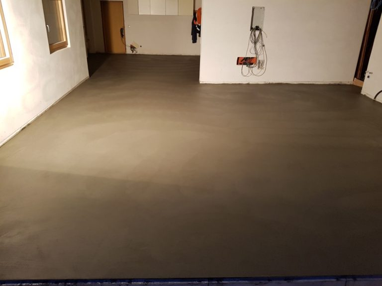 Realizzazione Pavimento interno in calcestruzzo CLS, anti vaporizzazione, isolante, anti-polvere, anti-macchia - Bortolotto Roberto