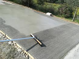 """Realizzazione rampe antiscivolo """"scopate"""" o """"pettinate"""" esterne in cemento, anti-usura"""