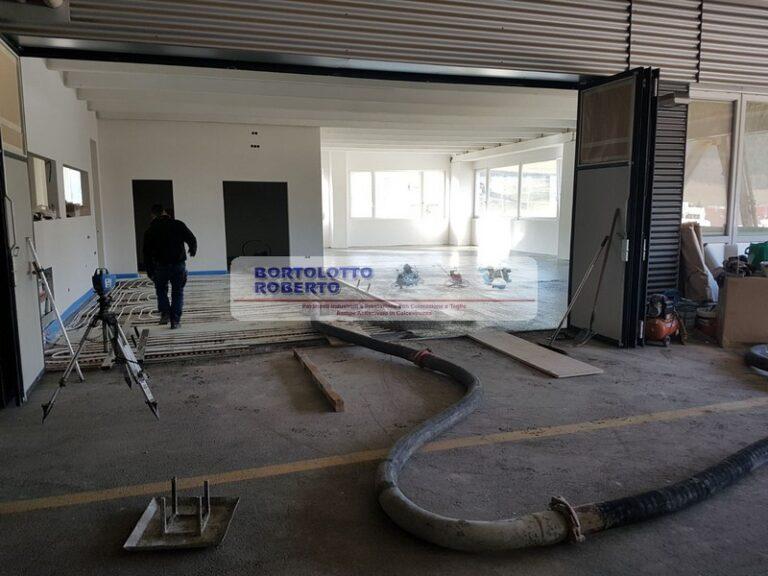 pavimento interno in cemento realizzazione