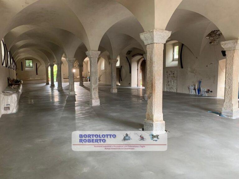 pavimento industriale in cemento armato realizzazione