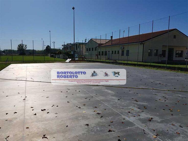 pavimento industriale in cemento armato per platea esterna multifunzionale